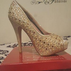 Shoes - Gold Delicacy Peep-Toe Jeweled Heel